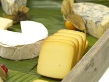 Käse Aus Kuh, Schaf Und Ziegenmilch