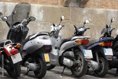 Plakaty motoryzacja   skutery-na-ulicy