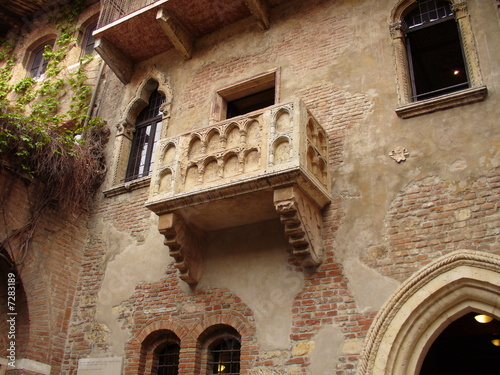 balcone romeo e giulietta - Buy this stock photo and explore similar ...