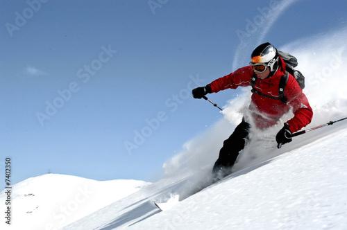 Poster Wintersporten elegant und sportlich telemarken im Tiefschnee