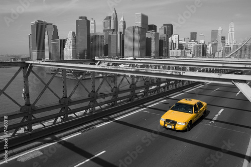 Keuken foto achterwand New York TAXI New York - Brooklyn Bridge e taxi giallo