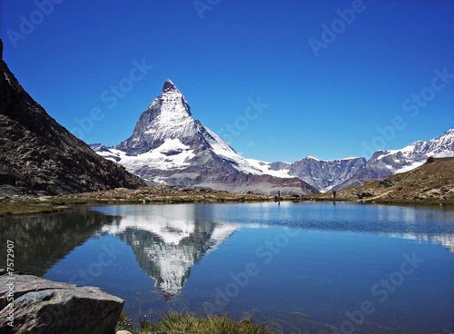Photo  Ein Bergsee und sein Mythos - Matterhorn