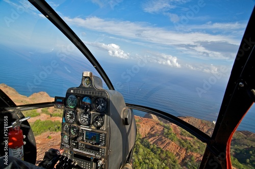 Poster Helicopter Helicopter, tropical ocean view from cockpit