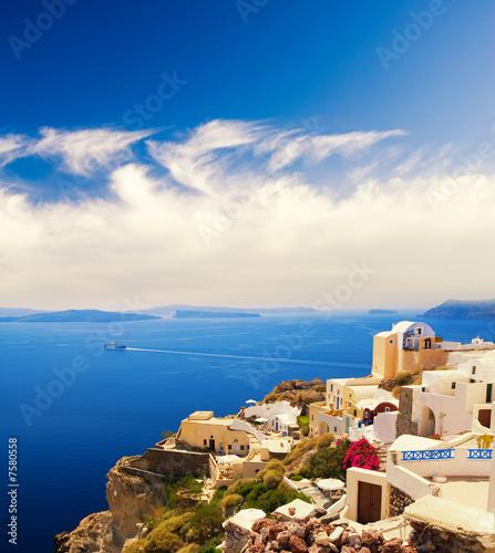 Foto Rollo Basic - Beautiful landscape view (Santorini Island, Greece) (von Nejron Photo)