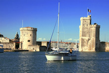 La Rochelle, Bateau Devant Le Vieux Port