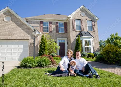 Fotografie, Obraz  Family in Front of House