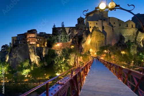 Anocheciendo en la ciudad de Cuenca (España)