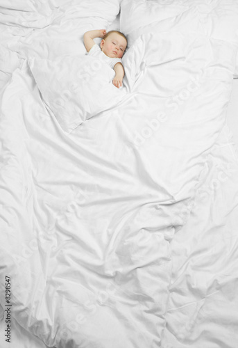 Photo  Baby in Bed