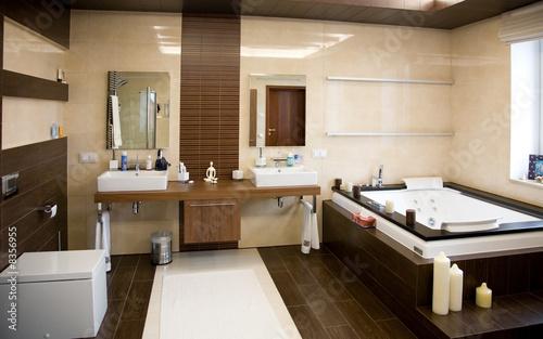 Fotografía  Designer bathroom with a modern tub