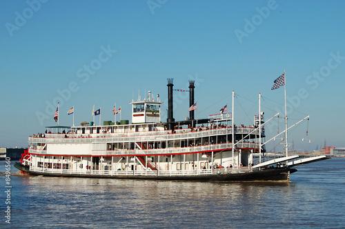 Valokuvatapetti Steamboat