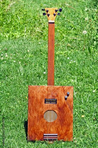 Photo wine box guitar