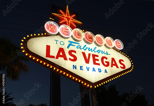 Poster de jardin Las Vegas Welcome To Las Vegas neon sign at night