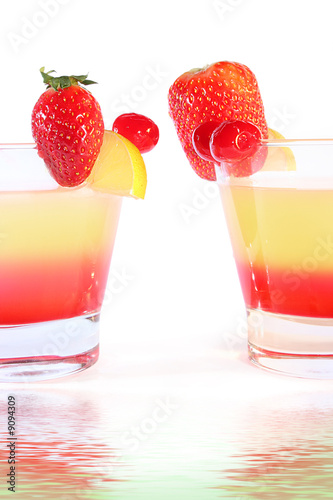 Photo  two sweet coctails