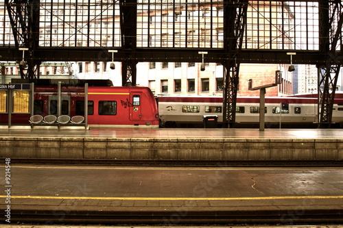 Foto auf AluDibond Bahnhof HBF