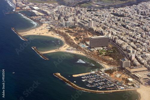 Fotografia Aerial view of the Tel Aviv coastline