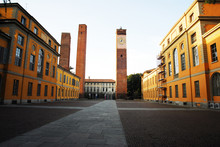 Torri Medievali In Piazza Leon...