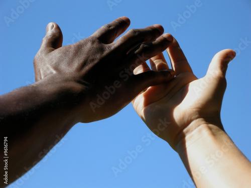 Valokuva  Hände berühren sich zärtlich