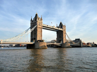 Fototapeta na wymiar Tower Bridge Scene 17