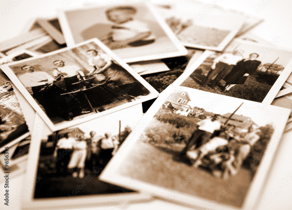 Fototapety, obrazy: Stack of old photos