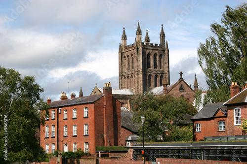 Fototapety, obrazy: Hereford cathedral with surrounding houses