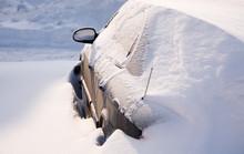 Snowy Car (natural Disaster, F...