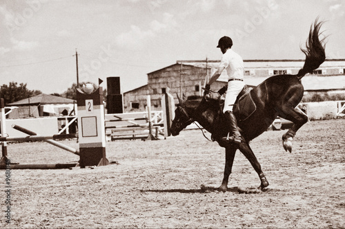 Papiers peints Affiche vintage Horse theme: jockeys, horse races, speed.