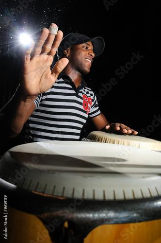 Fotografia, Obraz Portrait of young cuban percussionist performing live