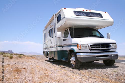 Motorhome RV in Desert Fototapeta