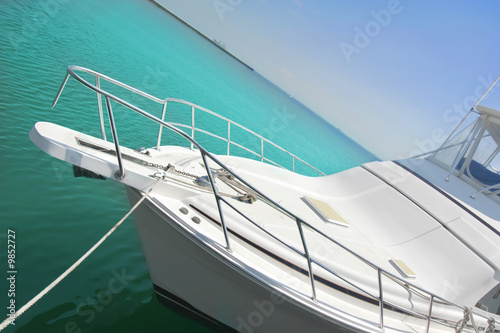 Poster Aeroport yacht on tropical ocean