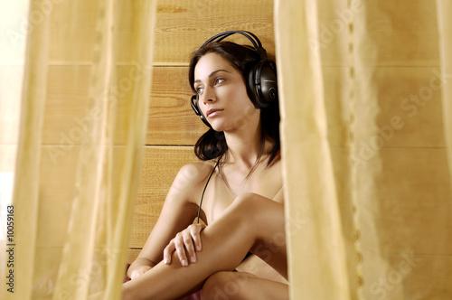 Spoed Foto op Canvas Muziekwinkel Ascoltando musica