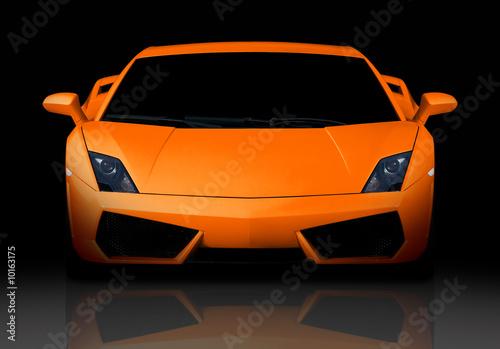 Foto-Doppelrollo - Bright orange modern supercar in studio. Front view. (von Maksim Toome)