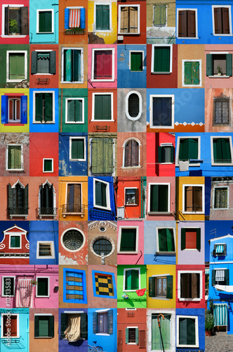 île de Burano face à Venise et ses maisons de pêcheurs Wallpaper Mural