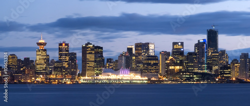 Fotografía  Vancouver, Canada as seen from the North Shore.
