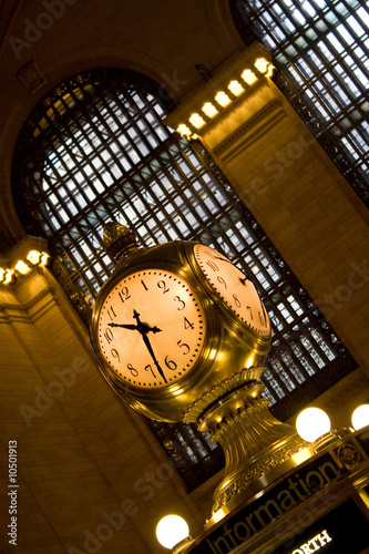 Photo  Old golden clock in grand central station in New York City.