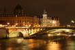 ile de la cité la nuit