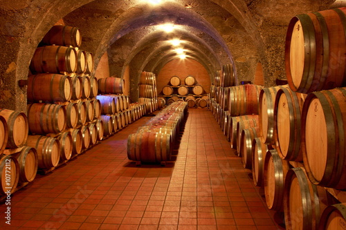 Weinkeller, Eichenfässer, Barrique, Rotwein, Toskana Slika na platnu