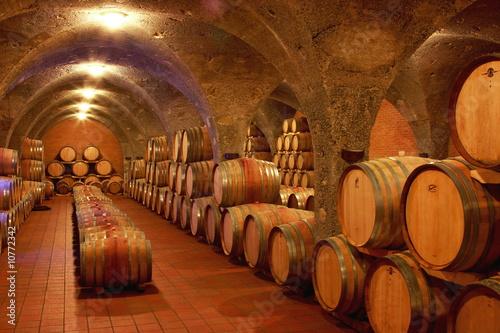 Weinkeller, Eichenfässer, Barrique, Rotwein, Toskana Billede på lærred