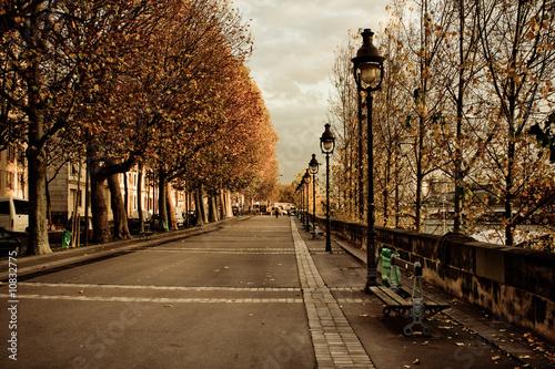 Rue parisienne #10832775