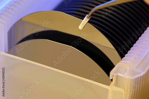 Obraz Silicon wafers prepared for chip production - fototapety do salonu
