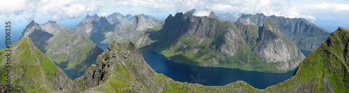 Fjords majestueux aux Lofoten