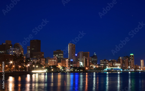 Foto auf Gartenposter Südafrika city night view of Durban, South Africa
