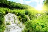 wodospad w głębokim lesie - 11169592