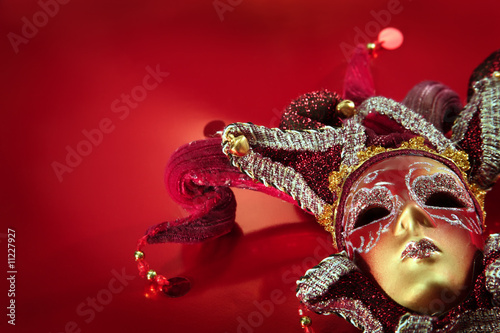 Spoed Foto op Canvas Carnaval Ornate carnival mask over textured metallic background