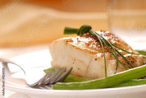Tuinposter Vis Cod fillet with green beans