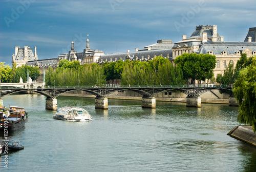 Papiers peints Paris Louvre - View from Seine