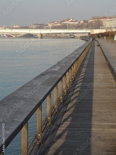Papiers peints Ville sur l eau Berges du Rhône