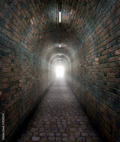 Fotografia light at the end of a tunnel