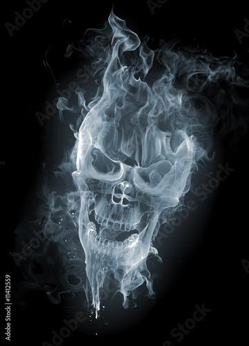 czaszka-dym
