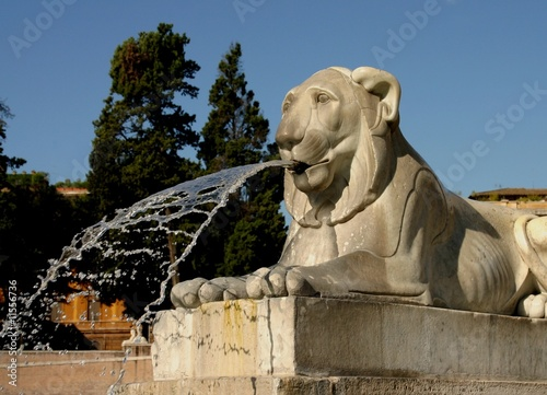 In de dag Fontaine Lion crachant de l'eau à Rome