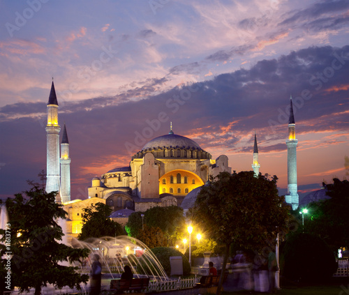 Papiers peints Turquie Hagia Sophia in Istanbul at evening